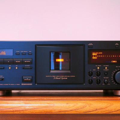 TEAC V-7000